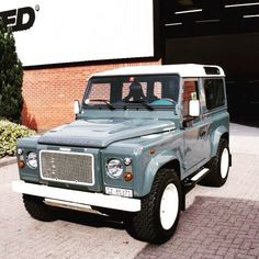 A modern adaptation  #Twisted #TwistedDefender #Classic #Enhanced #LandRover #LandRoverDefender #Defender #Style #Refined #4x4 #Handcrafted #Modern
