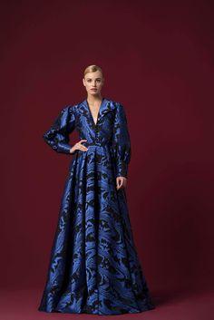 Islamic Fashion, Muslim Fashion, Elegant Dresses, Beautiful Dresses, Blue Fashion, Fashion Outfits, Floral Gown, Fantasy Dress, Pretty Outfits