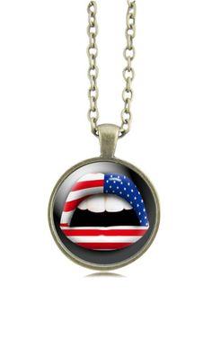 Collier bouche drapeau américain - collier cabochon bouche drapeau américain par Milacréa : Collier par milacrea