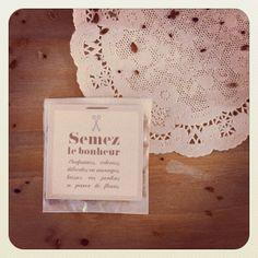 DiY: Des sachets de graines à planter à offrir aux invités