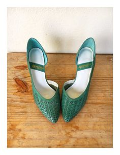 0b06d65a12f149 80s leather woven pumps green aqua mint genuine vintage new Leather  Weaving