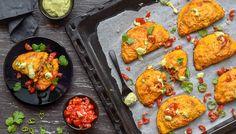 Skvělé pečené plněné masové taštičky z dýně a květáku, bez lepku a jakékoli mouky si zamilujete <3 Hodí se jako hlavní jídlo i občerstvení na cesty. Whole 30, Lchf, Tandoori Chicken, Food Inspiration, Tapas, Low Carb, Low Fodmap, Curry, Healthy Recipes