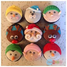 59 trendy ideas for cupcakes fondant navidad Christmas Themed Cake, Christmas Cupcake Toppers, Christmas Cake Designs, Holiday Cupcakes, Christmas Sweets, Christmas Goodies, Christmas Baking, Christmas Themes, Christmas Cupcakes Decoration