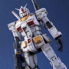 Image by Shutterstock Fantastic Gundam Head Tee Men/'s