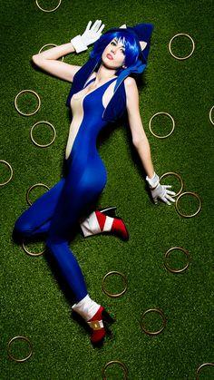 Sega - Sonic The Hedgehog  Cosplayer: Manzinat0r * Photographer: Greg De Stefano