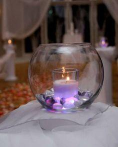 Les bougies ne sont jamais passées de mode, mais certaines décorations avec des bougies le sont ! Si votre décoration est un peu sombre, ou si elle ressemble à un autel pour des rituels magiques, je crois qu'il est temps de faire quelques choses ! Il existe des centaines de façons différentes de décorer votre maison avec des bougies.  Nous vous présentons ici 34 des meilleures idées de décoration avec des bougies. J'ai fait en sorte de trouver des idées de décorations pour chaque saison…