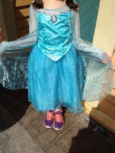 NWT AUTHENTIC DISNEY PARKS Frozen Princess Elsa Costume Dress size Small 6  6x 7308bce16