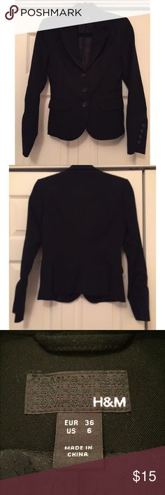 H&M Blazer Black blazer from H&M size 6. This blazer is great for formal and special occasions. Can provide measurements upon request. No flaws whatsoever. All garments come from a smoke-free home and have no flaws unless stated above. Feel free to ask any questions or make offers! H&M Jackets & Coats Blazers