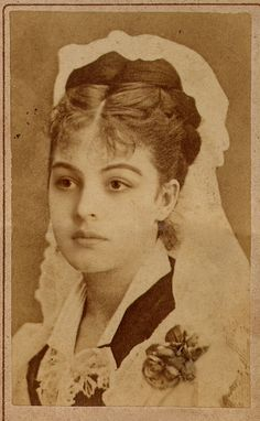 Circassian woman - Gwaschemasch'e Kadın Efendi, wife of Sultan Abdul Hamid II Antique Photos, Vintage Pictures, Vintage Photographs, Old Pictures, Old Photos, Vintage Abbildungen, Vintage Girls, Vintage Beauty, Old Photography
