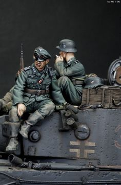 MMZ - Tiger 1:35 German Soldiers Ww2, German Army, Toy Soldiers, Military Figures, Military Art, Tiger Tank, Model Hobbies, Model Tanks, Military Modelling
