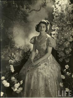 30 Rare and Stunning Vintage Photos of a Young Queen Elizabeth II in the 1940s and 1950s