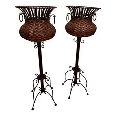 Nice Iron , metal and wicker plant stand with iron rings on either side. tall top wide legs span apart wicker basket 12 in deep Wicker Planter, Wicker Baskets, Iron Ring, Vintage Iron, Vintage Antiques, 1980s, Ceiling Lights, Metal, Plant Stands