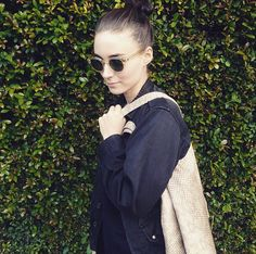 Rooney Mara and her Leni Penn Tote in Multi Beige Python
