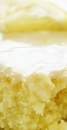 Lemon Texas Sheet Cake Lemon Sheet Cake Recipe, Sheet Cake Recipes, Lemon Cake Frosting, Lemon Cakes, Brownie Cake, Pie Cake, No Bake Cake, Texas Brownie Recipe, Brownies