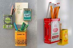 キッチンで邪魔になりがちな鉛筆やペンたち。でも、とっさのメモって実はキッチンで使う事が多いものです。そんな時に真似したいアイディアは、可愛い空き缶にマグネットをつけて冷蔵庫にぴたっ。とっても便利ですね!