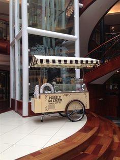 Ice cream cart :) Ice Cream Stand, Ice Cream Cart, Coffee Carts, Coffee Shop, Pizza Station, Foodtrucks Ideas, Mobile Shop Design, World Street Food, Food Cart Design