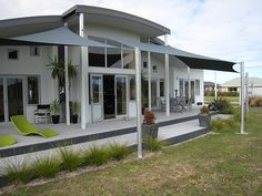 Bus tours to Cape Reinga lighthouse, drive along Ninety Mile Bay Of Islands, Bus Travel, Bed And Breakfast, Where To Go, Pavilion, Lakes, Cricket, Lighthouse, Special Events