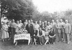 1945 class reunion.  Courtesy of Explore UK.