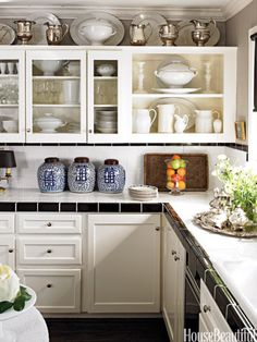 The Tricks You Need To Know For Decorating Above Cabinets Laurel Home Conventional Kitchen Cabinet Decor Realistic 1 - incredible Interior inspiration. Above Kitchen Cabinet Decor Kitchen Design Small, Cozy Kitchen, Decorating Above Kitchen Cabinets, Kitchen Remodel, Kitchen Decor, Cabinet Decor, Above Cabinets, Home Kitchens, Kitchen Transformation