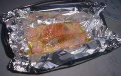Ingrédients : - deux morceaux de saumon - du beurre - du sel et du poivre 1)Prendre un papier d'aluminium. Mettre le saumon dessus, puis ...