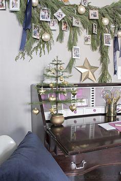 Photo Christmas Ornaments, Christmas Photos, Christmas Holidays, Christmas Decorations, Xmas, Work Cubicle Decor, Family Photos, Something To Do, Table Settings