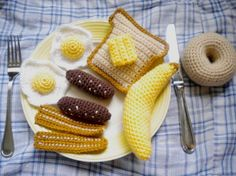 Crocheted Breakfast Play Food. Cute for those kids who have play kitchens, but the toys are made from cardboard