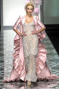 Valentino Fall 2007 Couture Fashion Show - Kim Noorda