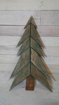 65 Pallet Christmas Trees & Holiday Decorations Ideas Fun Pallet Crafts for Kids