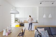 Znalezione obrazy dla zapytania szare blaty kuchenne Dream Apartment, Home Kitchens, Kitchen Dining, New Homes, Cabinet, Storage, Furniture, Home Decor, Google