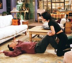 """"""" Monica: C'mon give me five more. Monica: Five more and I'll flash you. Monica And Chandler, Chandler Bing, Friends Moments, Friends Tv Show, Friends Season, Friend Memes, Great Tv Shows, Old Tv, Best Shows Ever"""