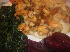 Southern SHRIMP and GRITS ** garlic, cheese and BACON ** Fast and easy ** I served it with chopped spinach and Balsamic Roasted Beets (on my vegetable board)