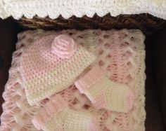 Hairpin Lace Afghan | Hairpin lace crochet baby blanket, beanie and booties