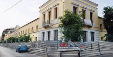 10 αθηναϊκά κτίρια με ενδιαφέρουσες ιστορίες Μεταξουργείο, σημερινή Δημοτική Πινακοθήκη Stuff To Do, Things To Do, Acropolis, Cyprus, Old And New, Athens, Greek, Street View, Tours