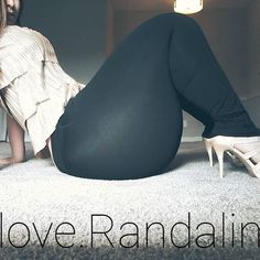 The young lady's name is Raylynn and she has a 70 inch butt. Raylynn is a social media sensation with hundreds of thousands of followers on her many social media pages. Y'all asked for it ???????? that giggle at the top tho SMH. Lol (better quality coming soon) #bodypositive ???????? #toppawg ???????????? #pawg #bootybootybooty #BBW …