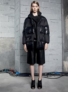 The Sandro fall 2013 collection come stocked with all the outwear designs we'll be living in come winter. Winter Coats Women, Winter Jackets, Designer Clothes For Men, Designer Clothing, Sandro, Puffer Jackets, Autumn Fashion, Fall Winter, How To Wear