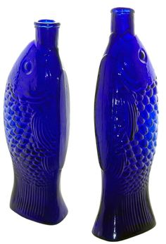 I have one of these that I found buried in my dad's garden back in the Cobalt Blue Fish Bitters - Meyer Collection Old Bottles, Antique Bottles, Vintage Perfume Bottles, Art Antique, Antique Glass, Azul Indigo, Blue Bottle, Blue Glass Bottles, Glass Jars