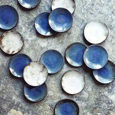 @Regrann from @ceramics274 -  Lisa Ommanney | Stoneware | Plates | @_lisaomm_ceramics_ . . . . #ceramics274 #ceramics #pottery #interior #home #hackney #hoxton #monochrome #keramik #minimal #minimallove #tableware #design #wholesale #lovemyjob #columbiaroad #londonmakers #earthy #studio #maker #craft #craftsmanship #madeinlondon #clay #stoneware #glaze #makerspace #pottersofinstagram #popupshop #instaceramics