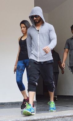 Workout buddies: Shahid Kapoor and Mira Rajput spotted after a gym sesh in suburban Mumbai! #ShahidKapoor  #MiraRajput
