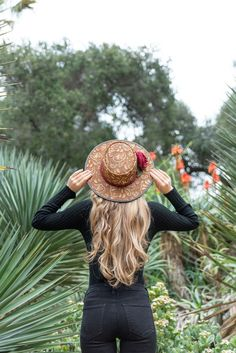 This hat is handcrafted out of black hair-on leather beautifully laser engraved to display an intricate Spanish lace pattern. The hatband is a graceful ribbon adorned with a three-dimensional blood red Spanish flower, backed by hunter green leaves. Stylish Handbags, Handbags On Sale, Only Fashion, Women's Fashion, Fashion Trends, Fashion Inspiration, Spanish Flowers, Pink Luggage, Fancy Hats