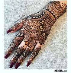 94 Easy Mehndi Designs For Your Gorgeous Henna Look Henna Hand Designs, Latest Mehndi Designs Hands, Mehndi Designs Finger, Latest Bridal Mehndi Designs, Mehndi Designs 2018, Mehndi Designs For Girls, Modern Mehndi Designs, Mehndi Design Photos, Wedding Mehndi Designs
