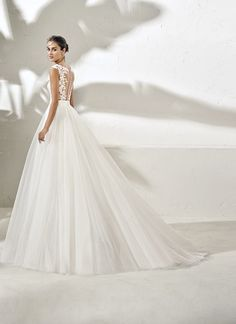 The FashionBrides is the largest online directory dedicated to bridal designers and wedding gowns. Find the gown you always dreamed for a fairy tale wedding. Wedding Gowns, Bridal, Design, Fashion, Homecoming Dresses Straps, Moda, Bridal Gowns, Alon Livne Wedding Dresses, Bride