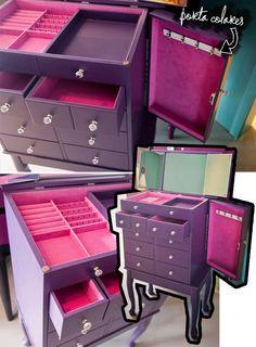 Dresser to store jewelry.