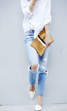 Jeans Hemd spitze flats und camelfarbene clutch