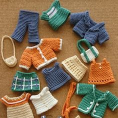 La première image de vêtement de lapin gris C set sommaire article . グレーラビットのお洋服Cセットまとめの記事よ… Image 1 Extrait de l& sur les vêtements du lapin gris Crochet Motifs, Crochet Doll Pattern, Crochet Patterns Amigurumi, Diy Crochet, Crochet Dolls, Crochet Baby, Crochet Top Outfit, Knit Baby Dress, Crochet Doll Clothes