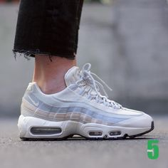 free shipping 170fa 11cef Speakers femme - Nike Air Max 95 Essential (©par5milano) Nike Basketball  Shoes,