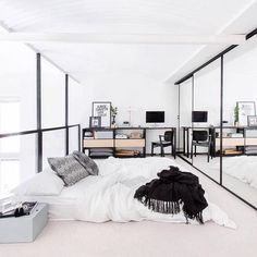emily ☼ ☾'s collection! https://www.pinterest.com/embemholbrook/ Cosy Apartment, Minimal Apartment, Bedroom Apartment, Loft In Bedroom, Apartment Goals, Bedroom Modern, Stylish Bedroom, Studio Apartment, Apartment Interior