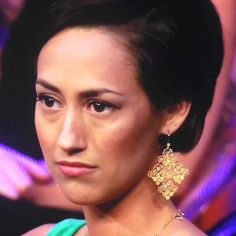 Who else spotted these gorgeous told earrings on Kelsey Poe on last light's Bachelor: The Women Tell All?  They are the Chantilly Lace Chandeliers from Stella & Dot, and they are not only gorgeous--they are under $50!