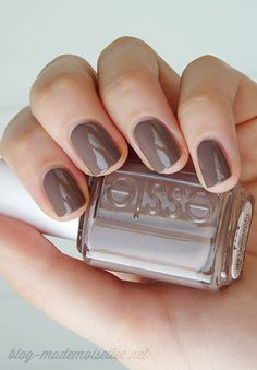 Essie Don't Sweater It - le taupe de la rentrée | Le Journal de Mademoiselle C.