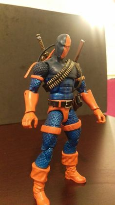dc univers deathstroke custom action figure from the DC Universe series using marvel legends hobgoblin as the base, created by caballo. Dc Comics Action Figures, Custom Action Figures, Terminator Action Figure, Deathstroke The Terminator, Doctor Who Fan Art, Comic Book Superheroes, Funny Marvel Memes, Pokemon Cosplay, Comic Games