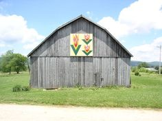 Quilt Barn - Tennessee Tulip -   Shady Valley, TN